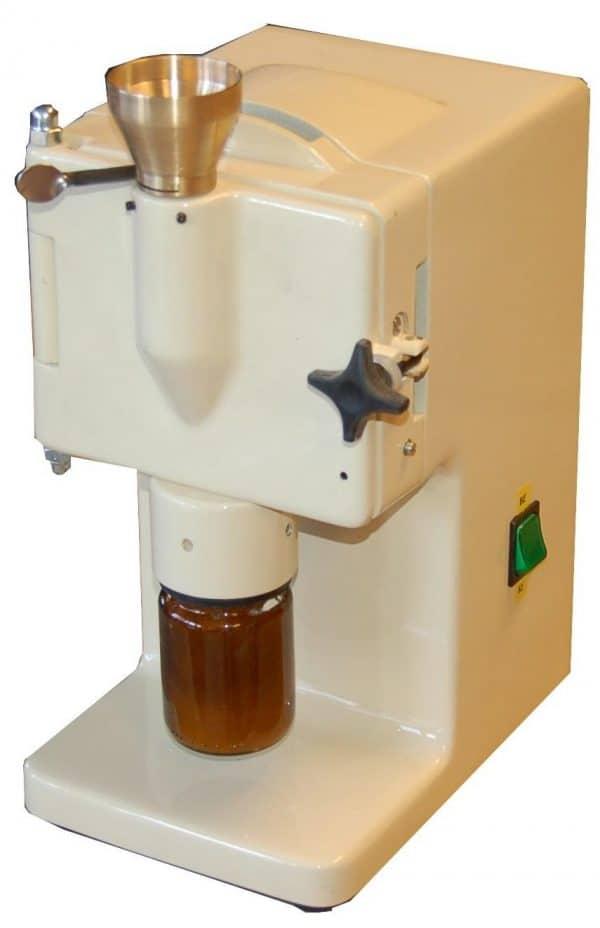 Laboratóriumi kalapácsos daráló PKT-100